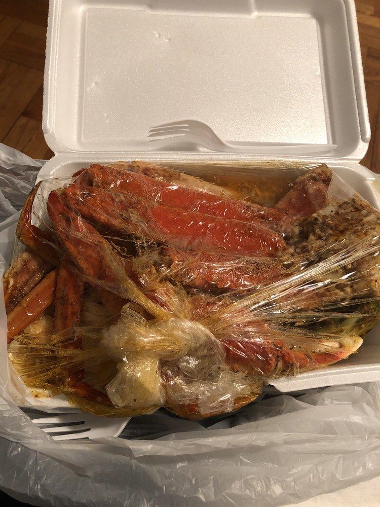 Dyre Fish Market: 3828 Dyre Ave, Bronx, NY