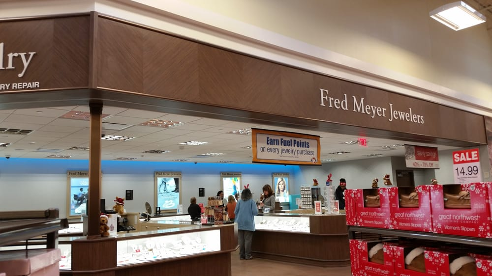 Kroger Marketplace: 1301 Frederick Blvd, Portsmouth, VA