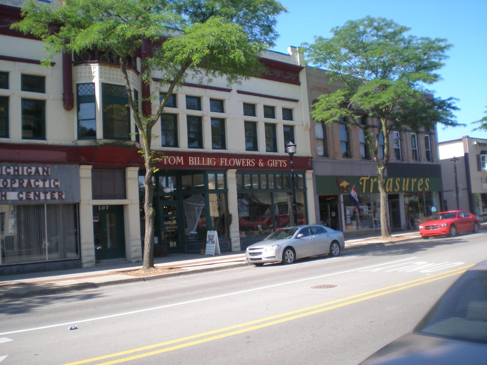 Photo of Billig Tom Flowers & Gifts: Alma, MI