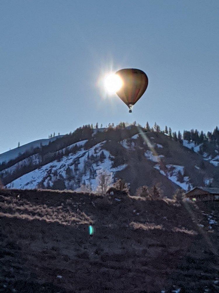Snohomish Balloon Rides: 9900 Airport Way, Snohomish, WA