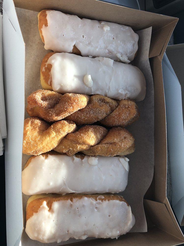 Donut House Bakery & Deli