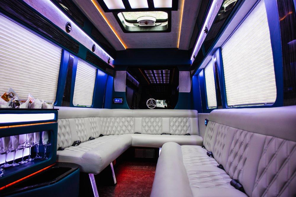 Motor City Limousine: 34935 Schoolcraft Rd, Livonia, MI