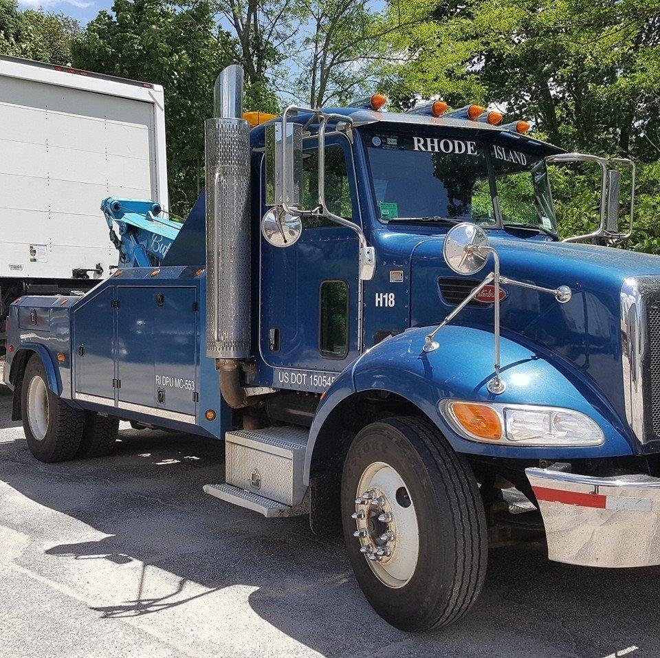 Towing business in Middletown, RI
