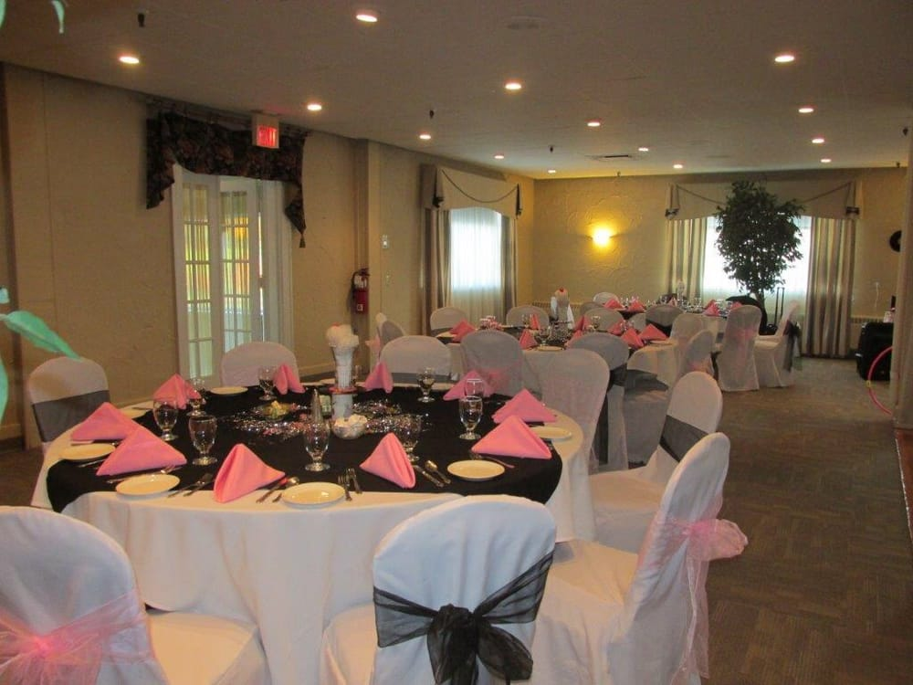 Harker's Hollow Golf & Country Club: 950 Uniontown Rd, Phillipsburg, NJ