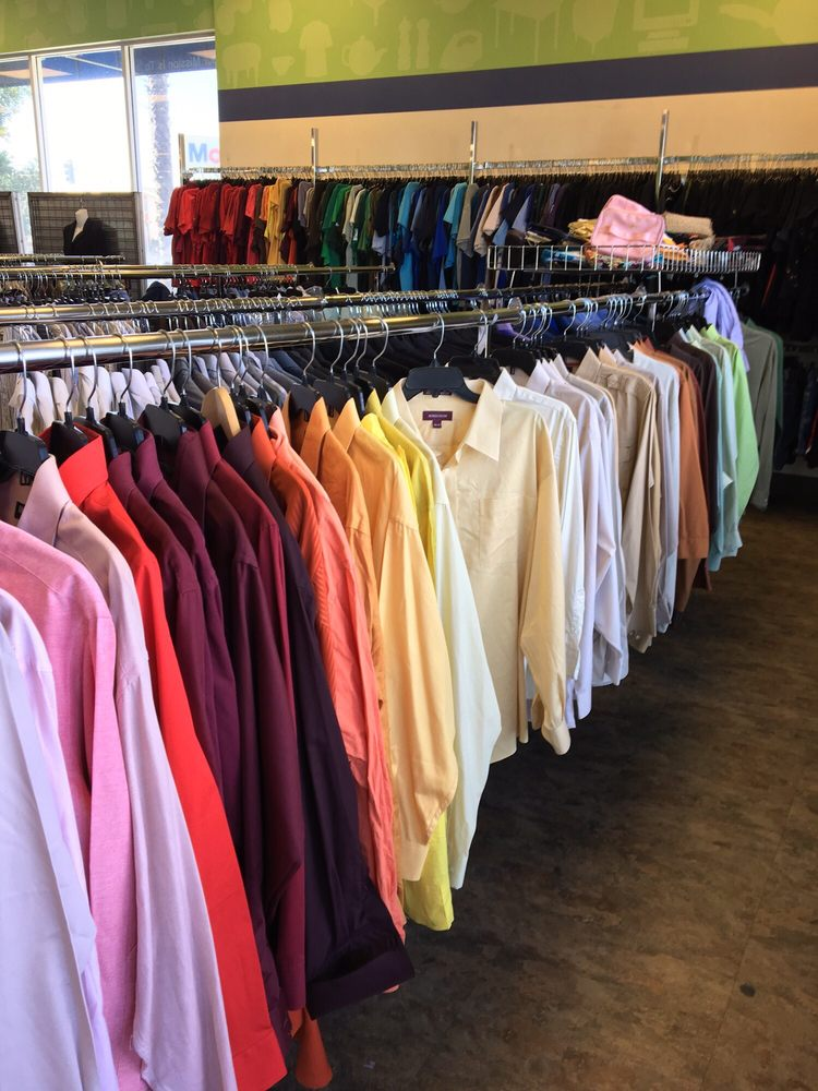 4f30407cde Clothes are not only sorted by type but also by color. Makes ...