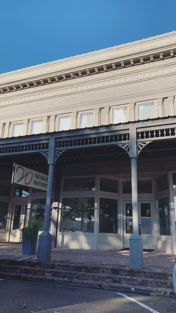 The Inn On Whitworth: 210 S Whitworth Ave, Brookhaven, MS