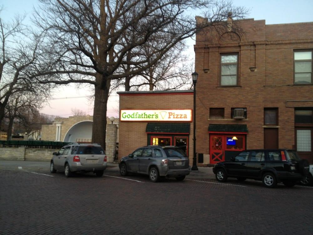 Godfather's Pizza: 122 N 5th St, Seward, NE