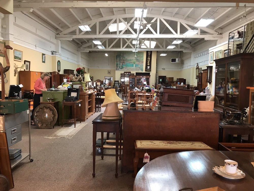 Amazing Mccarneys Furniture 40 Reviews Furniture Stores 731 Home Interior And Landscaping Analalmasignezvosmurscom