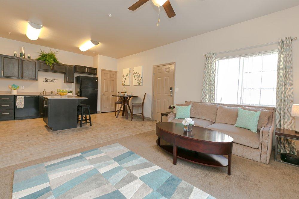 Centennial Place Apartment Homes: 545 Centennial Dr, Hanford, CA