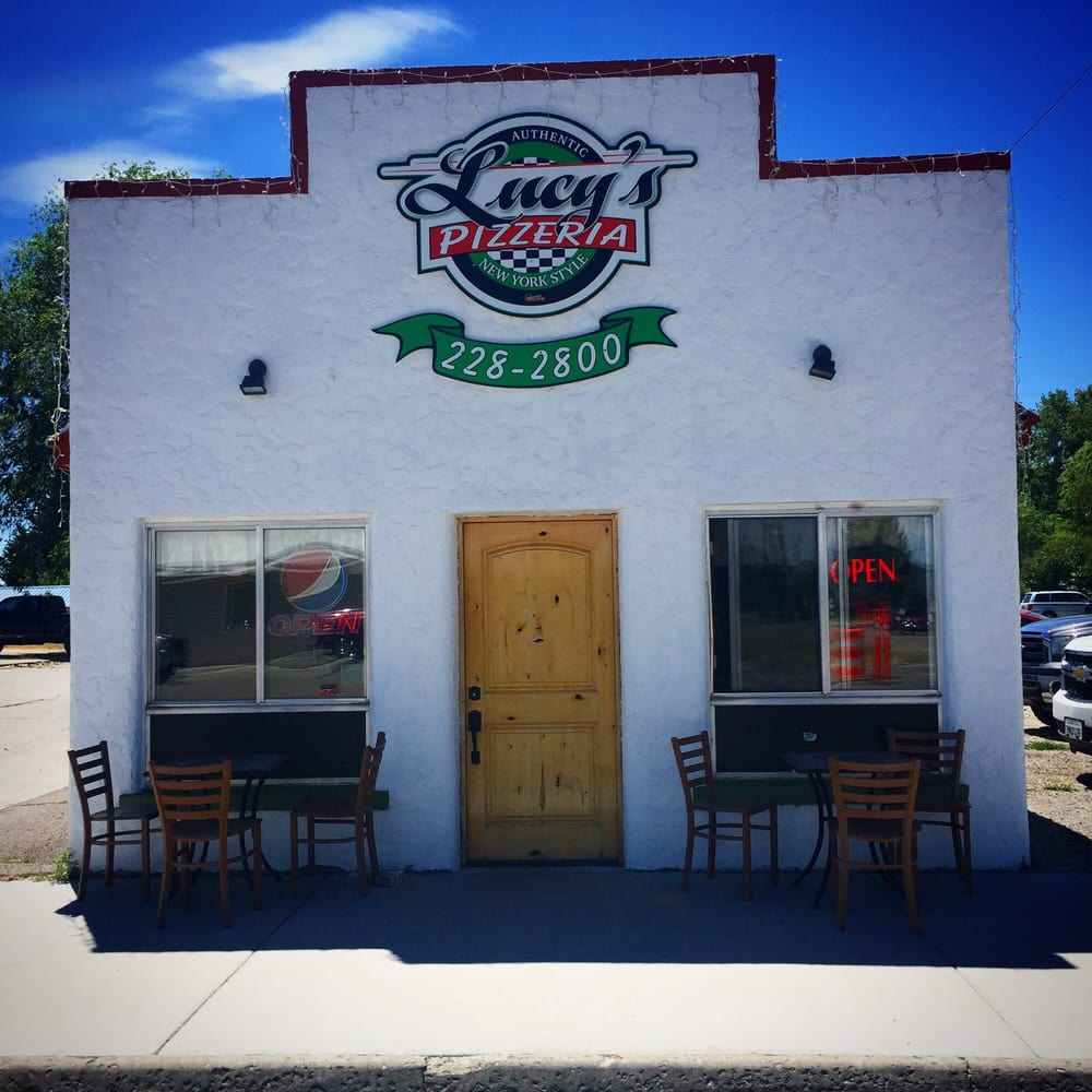 Lucy's New York Style Pizzeria: 2874 E 650th N, Roberts, ID