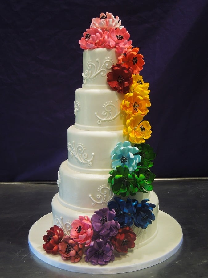 wedding cake nj white wedding cake with piped scrolls and multi color 23312