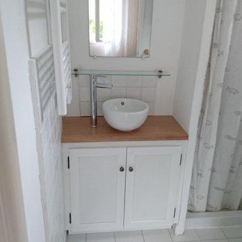 Vanité de salle de bain - plan de travail en bois rouge ...