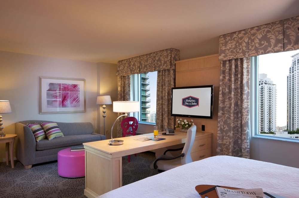 Hampton Inn & Suites by Hilton Miami Brickell Downtown: 50 SW 12th St, Miami, FL