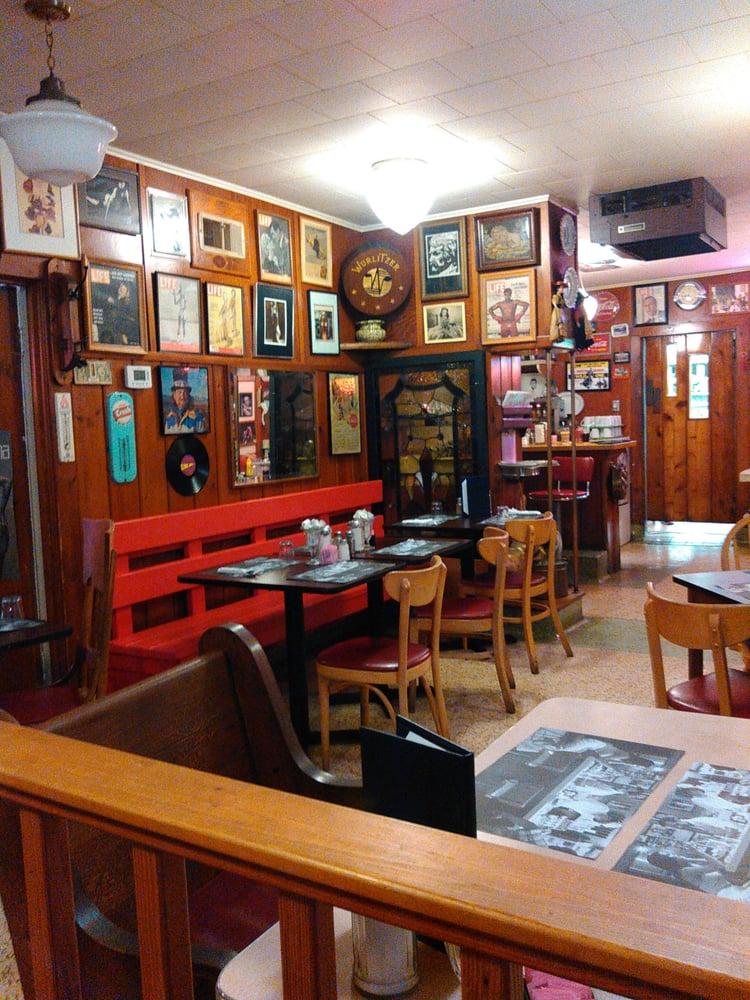 Greunke's First Street Inn: 17 Rittenhouse Ave, Bayfield, WI