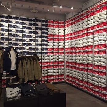 4263e119489fd Converse - CLOSED - 146 Photos   55 Reviews - Shoe Stores - 838 ...
