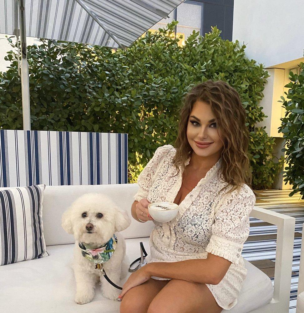 La Vie Pet Salon & Day Care: 1538 Alton Rd, Miami Beach, FL