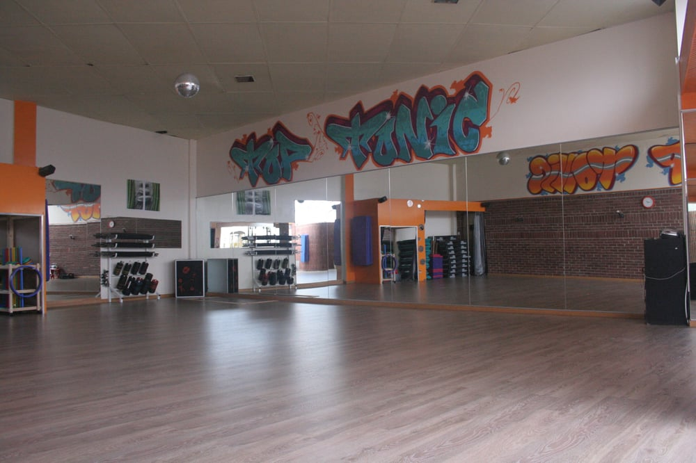 top tonic salles de sport 140 rue camille desmoulins st quentin aisne france num ro de. Black Bedroom Furniture Sets. Home Design Ideas