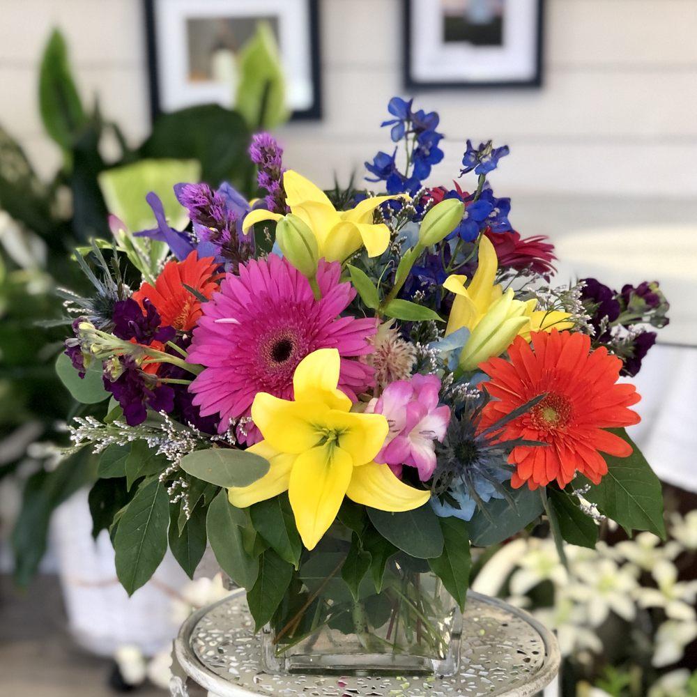 Blossoms Flower Shop: 23 County Rd, Mattapoisett, MA