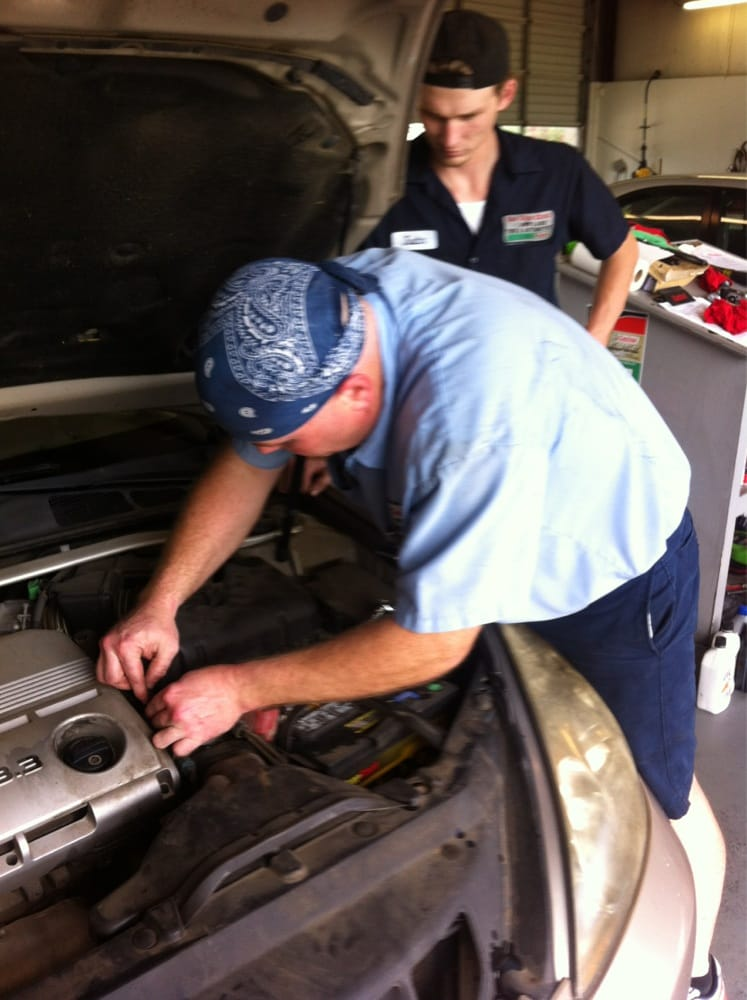 Car Care Clinic Jet Lube - Magee: 403 Pinola Dr SE, Magee, MS