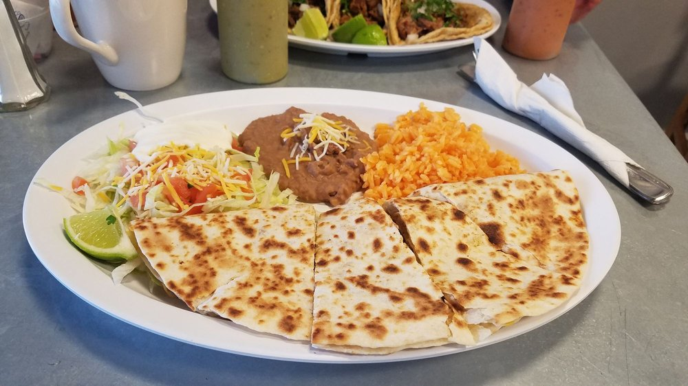 Taqueria Los Primos: 4558 N Shadeland Ave, Lawrence, IN