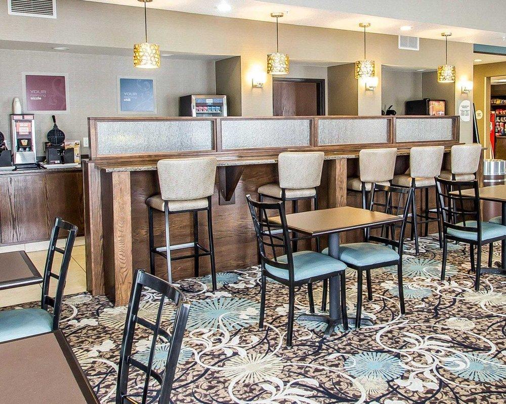 Comfort Suites: 2620 Center Drive, Hudson, WI