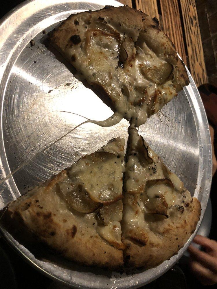 Gigi Pizza: 700 S 5th St, Philadelphia, PA