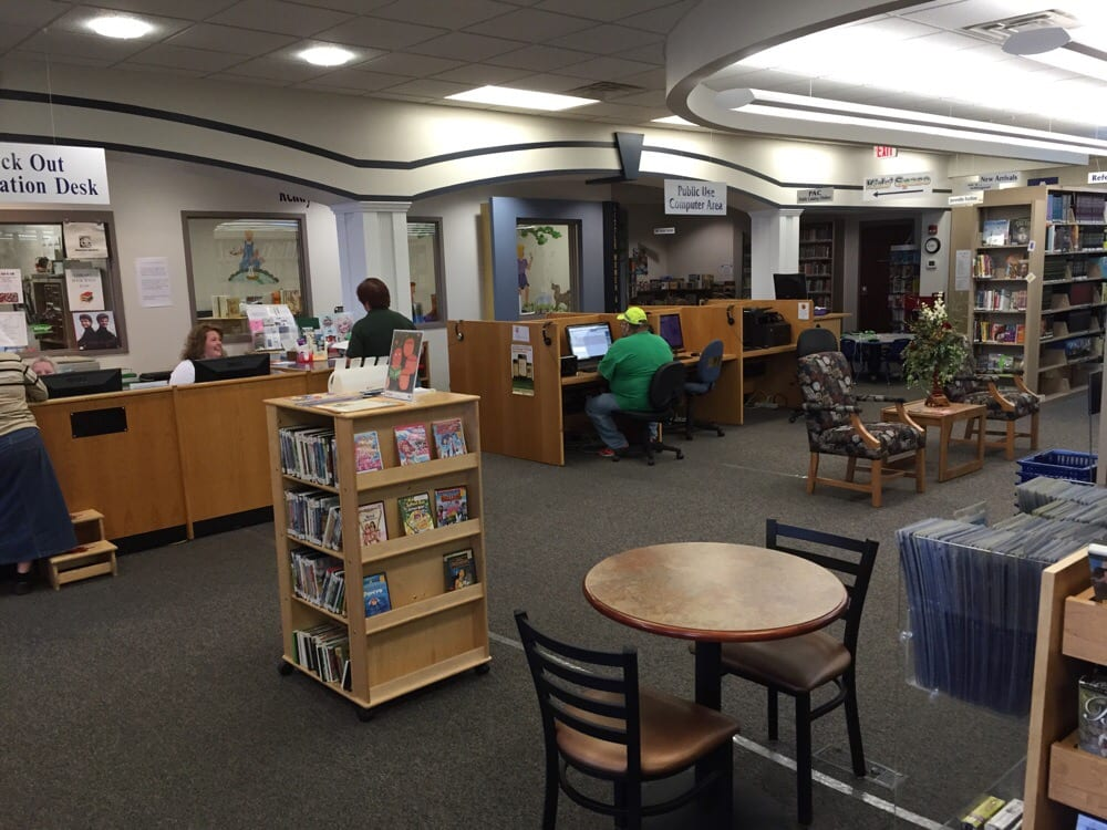 Muhlenberg County Libraries-: E Broad St, Central City, KY