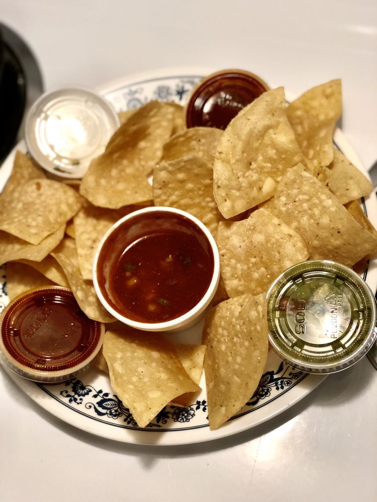 La Bonita Tacos & Tequila: 1850 Rte 112, Coram, NY