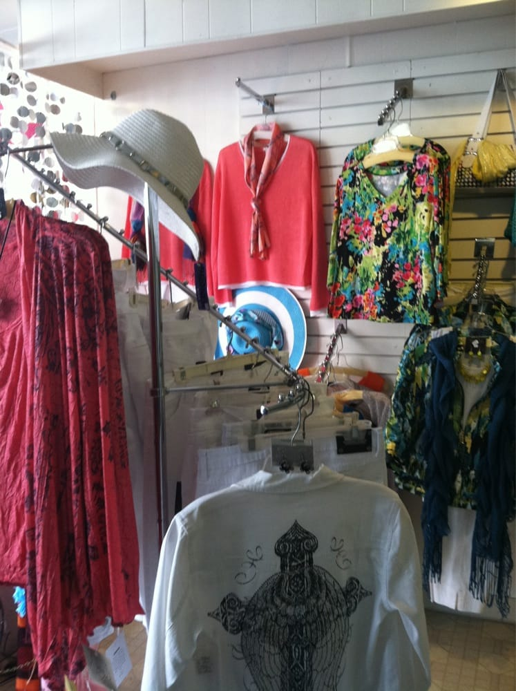 The Clothes Bin & Gift Shop: 15 E Stephenson St, Freeport, IL