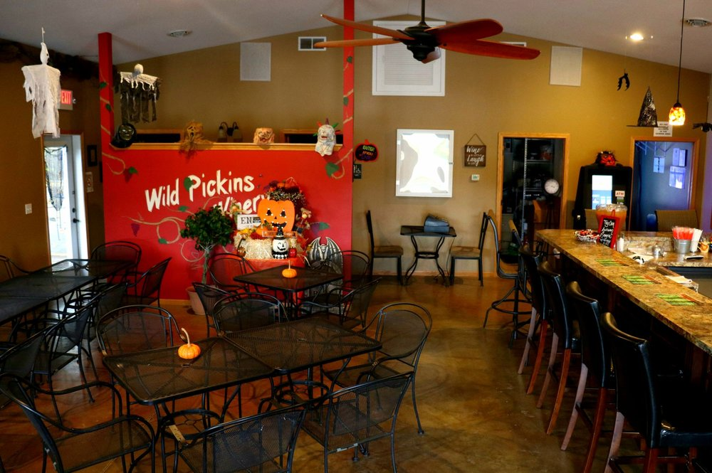 Wild Pickins Winery: 14223 Route 111, Chesterfield, IL