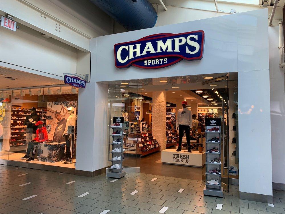 Champs Sports: 401 Biscayne Blvd, Miami, FL