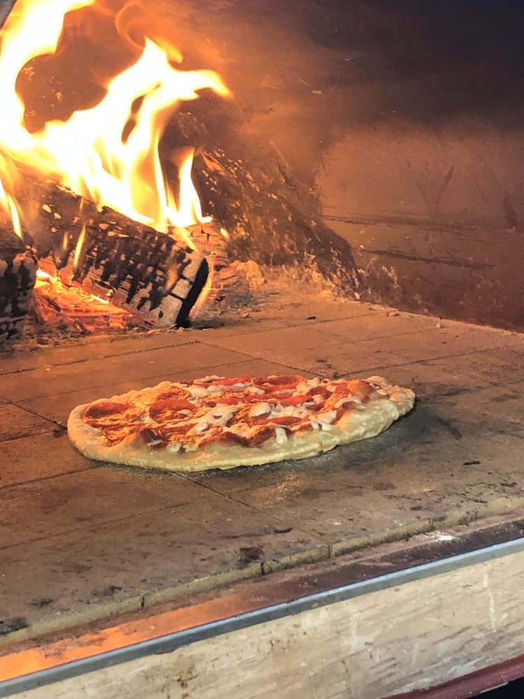 DLM Brickhouse Pizza: 213 W Mermod St, Carlsbad, NM