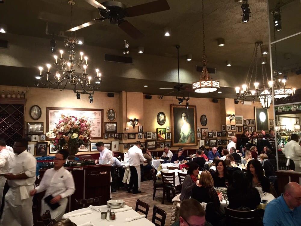 Carmine S Italian Restaurant New York