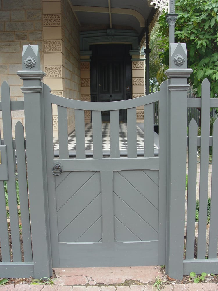 Photo Of Heritage Fencing   Adelaide South Australia, Australia. Twin  Mouldings, Star To