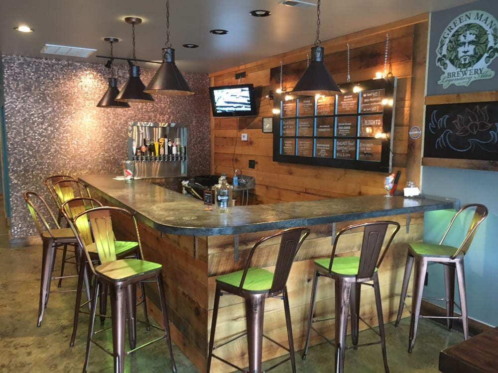The Taproom at Monte's: 2024 Asheville Hwy, Hendersonville, NC