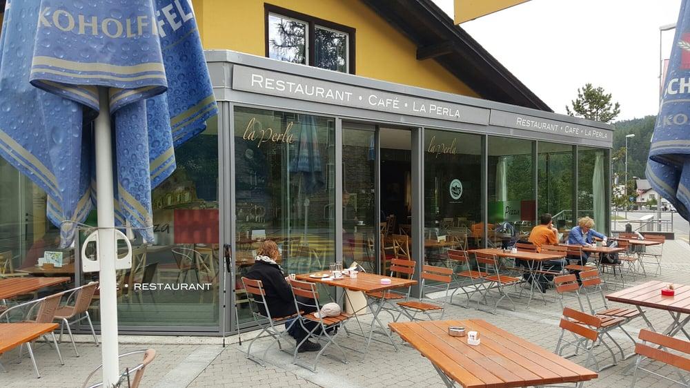 Modernes Cafe Restaurant, italienische Küche. Sitzplätze auch ...