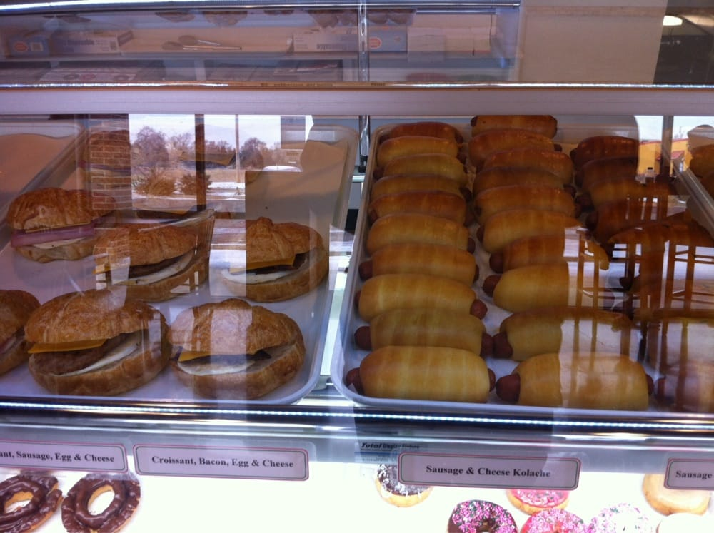 Donuts Donuts: 2410 E Parkway Dr, Russellville, AR