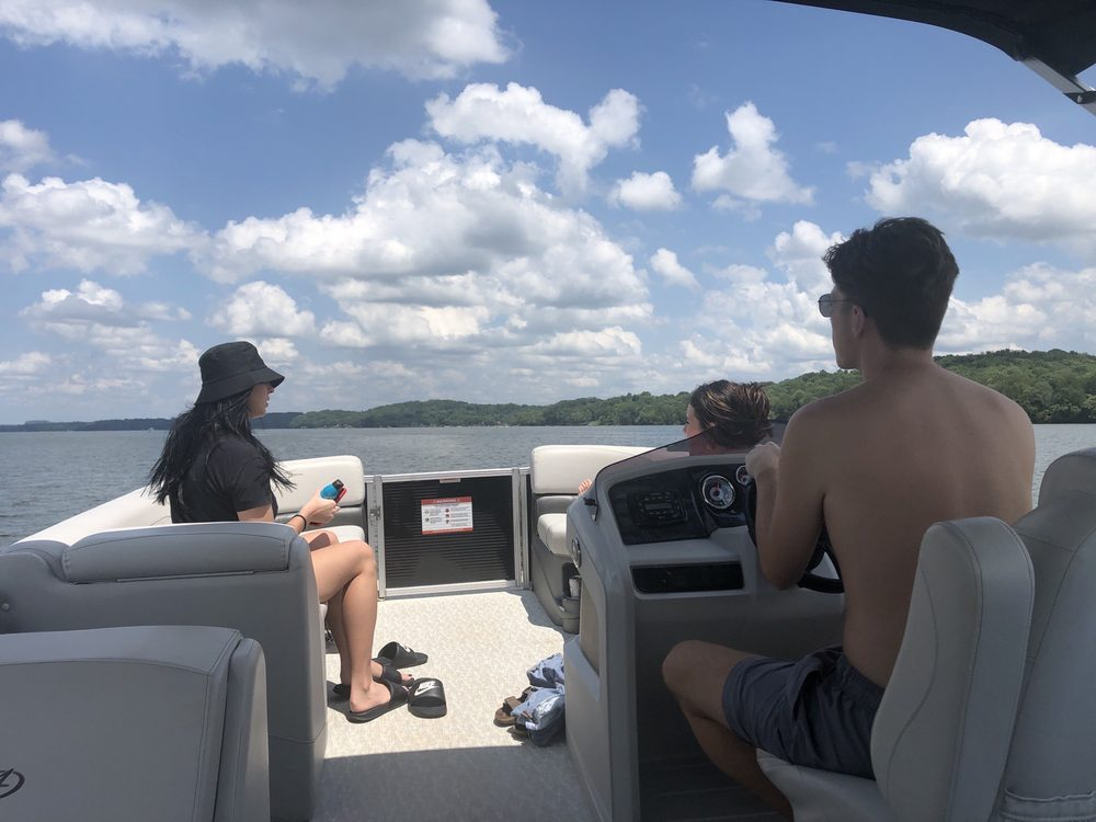 Hunter's Lake Rentals: Hendersonville, TN