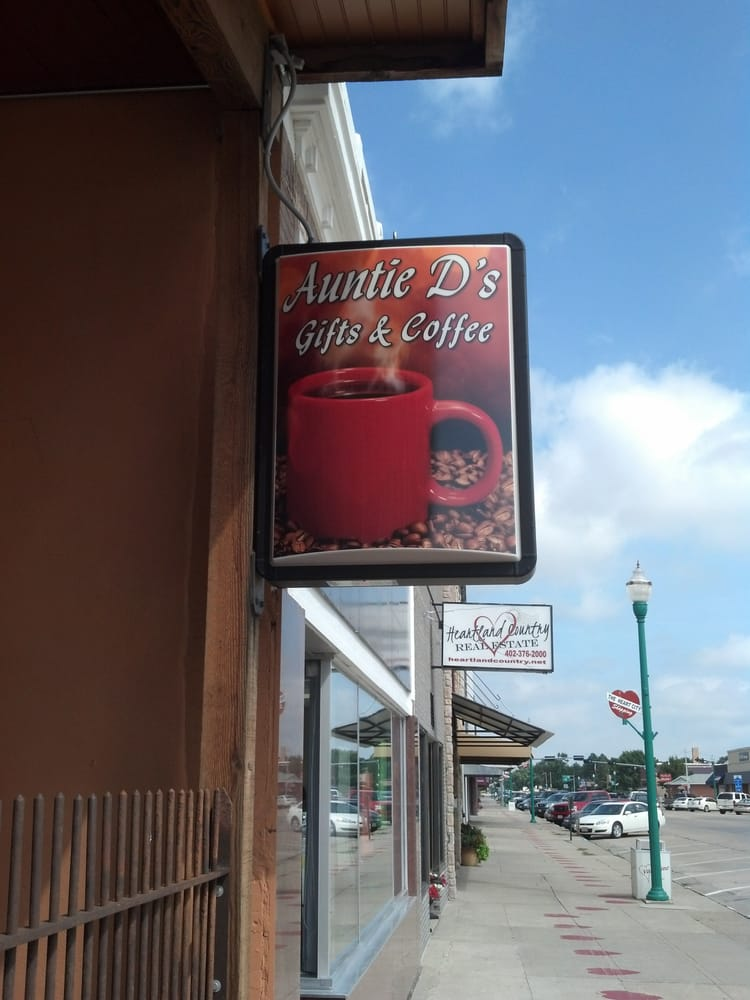 Auntie D's Gift And Coffee Shop: 201 N Main St, Valentine, NE