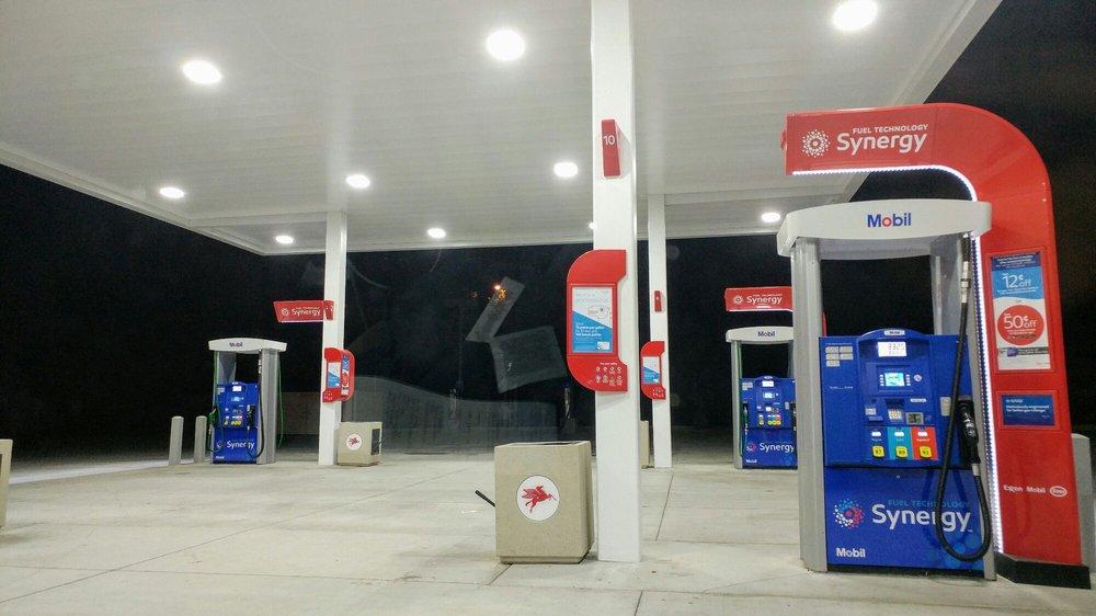 Mobil: 356 N Main St, Big Pine, CA