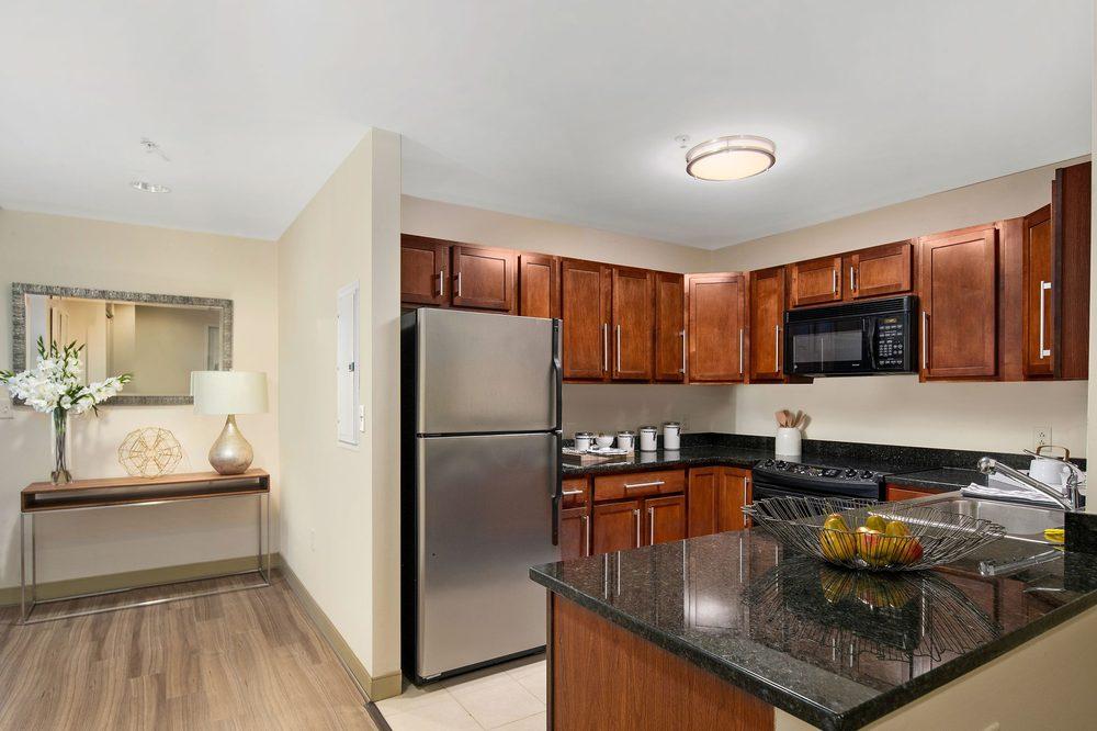 Hartford 21 Apartments: 221 Trumbull St, Hartford, CT