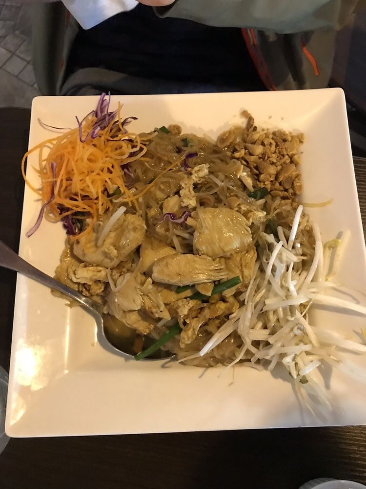 Pad Thai With Chicken Yelp