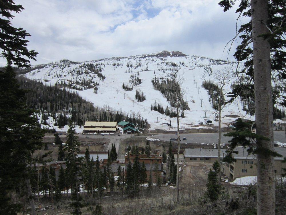 Brian Head Condo Reservations: 468 N Highway 143, Brian Head, UT