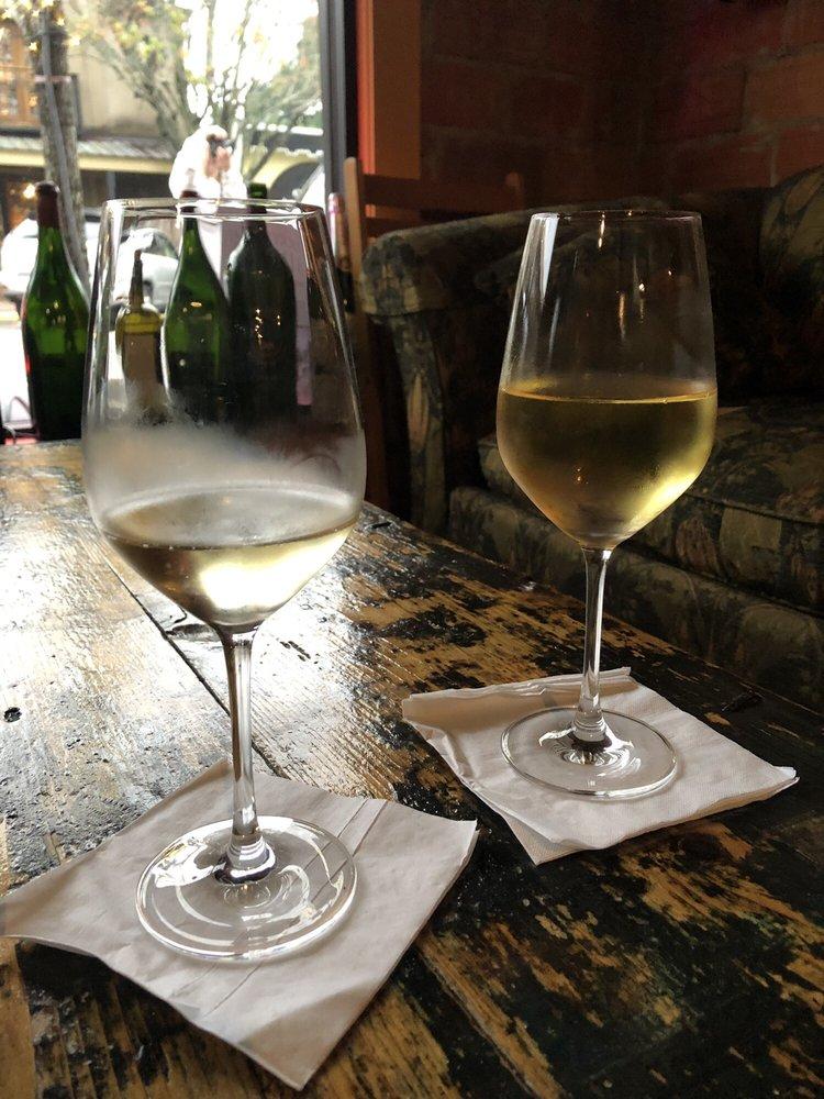 Red or White Wine & Gourmet: 323A De La Mare Ave, Fairhope, AL