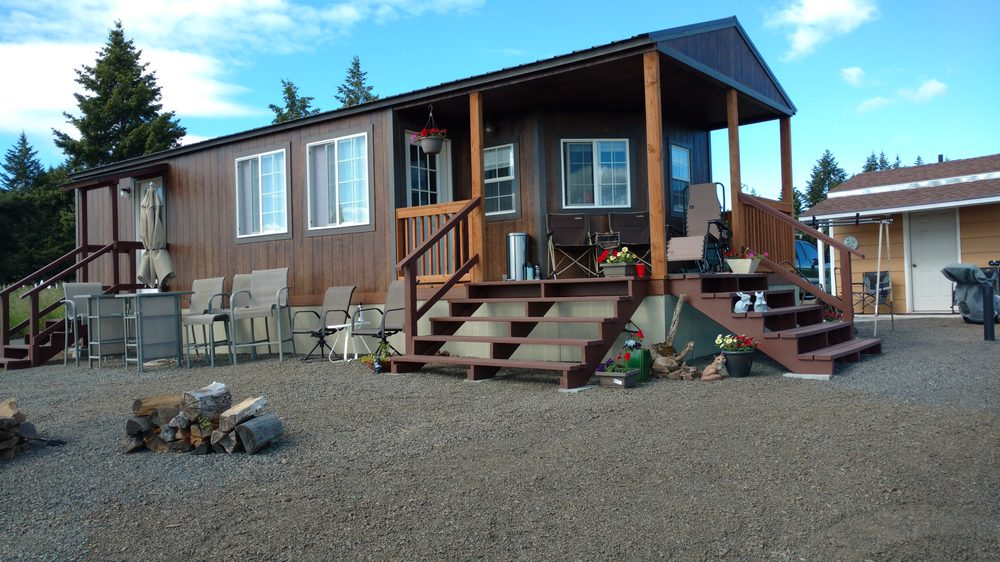Seubert RV Park & Guesthouse: 110 Seubert Heights Dr, Cottonwood, ID