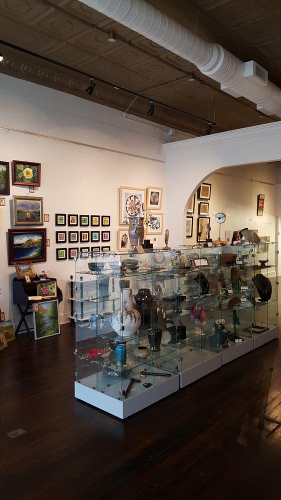 ArtForms Gallery: 620 N Broadway St, Pittsburg, KS