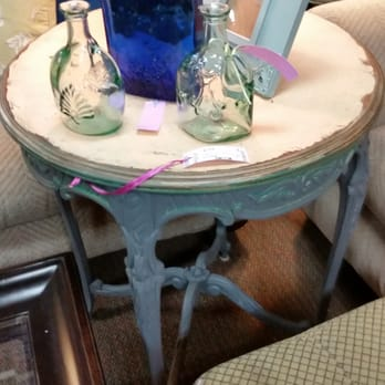 Wallflowers Consignment Furnishings -   Reviews