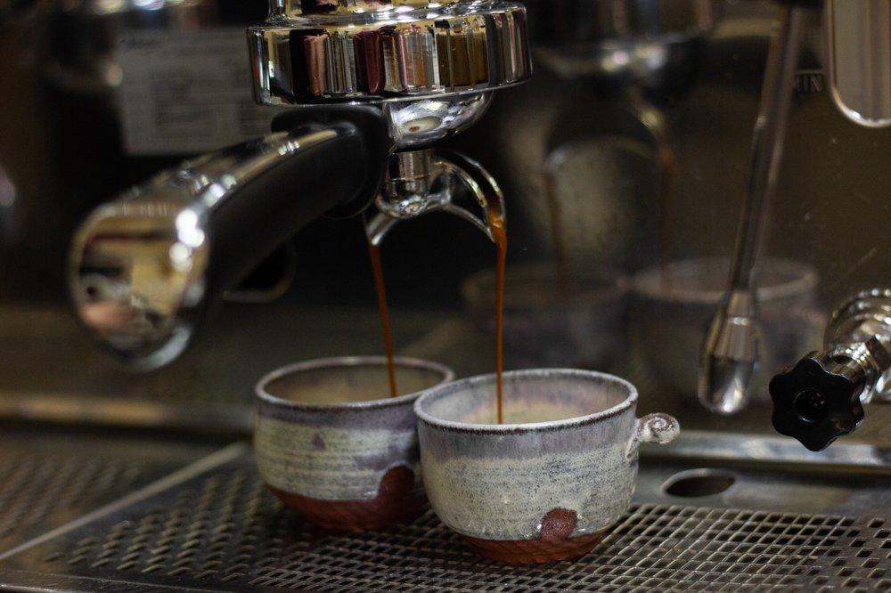 Oval Dogs Coffee: 661 Quantum Rd, Albuquerque, NM