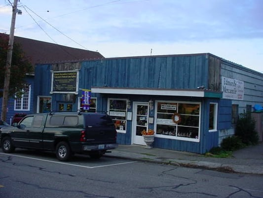 Snohomish mercantile closed antiques 105 cedar ave for Furniture edmonds wa