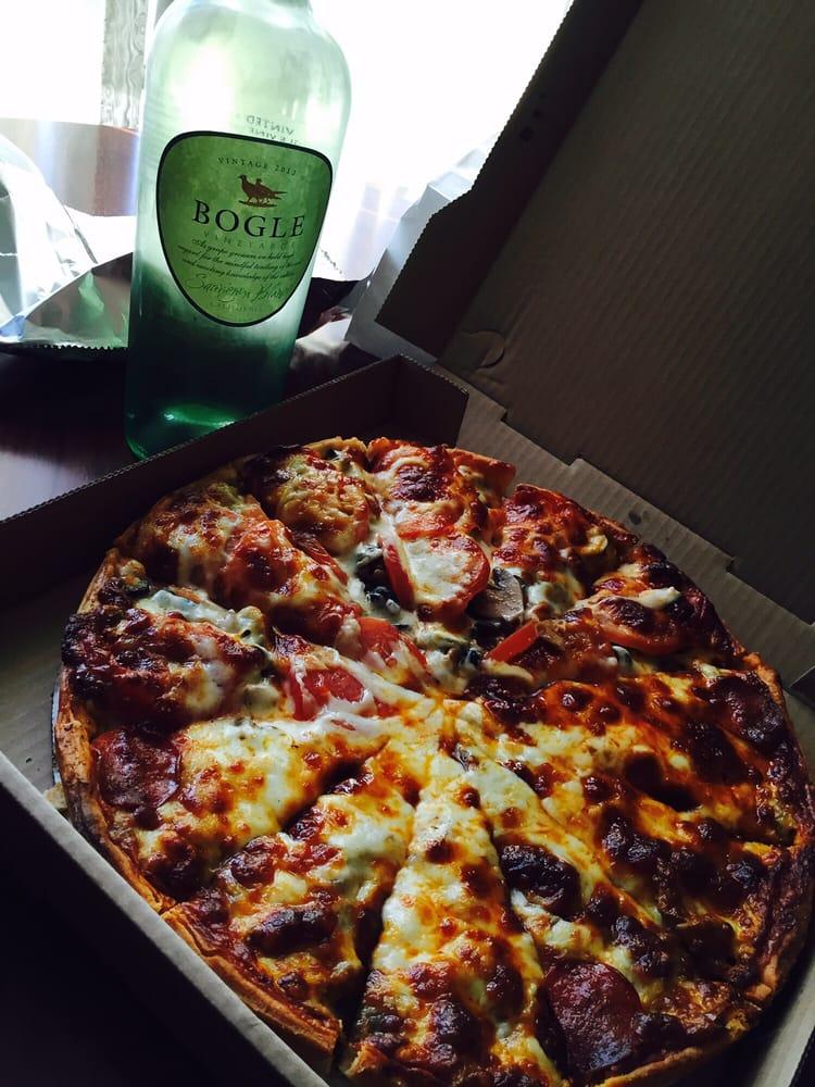 Nalivka S Original Pizza Kitchen 21 Reviews Pizza 1032 1st St Havre Mt Restaurant